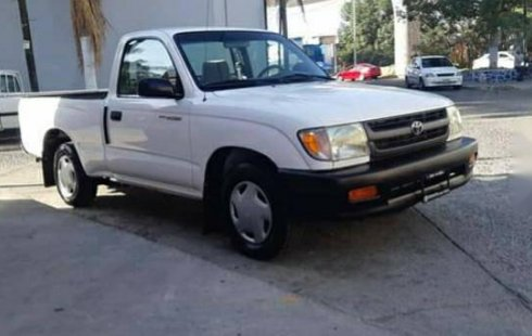 Vendo un carro Toyota Tacoma 1999 excelente, llámama para verlo
