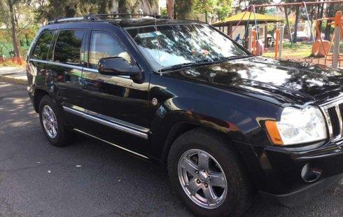 Vendo un carro Jeep Grand Cherokee 2007 excelente, llámama para verlo