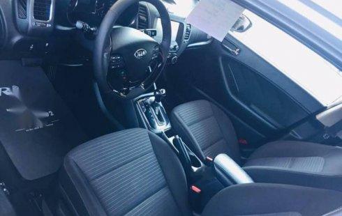 Un carro Kia Forte 2017 en Zapopan