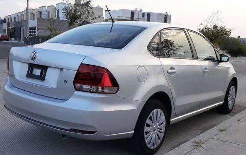 Un carro Volkswagen Vento 2018 en Querétaro