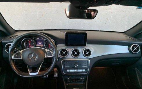 Quiero vender cuanto antes posible un Mercedes-Benz Clase CLA 2018