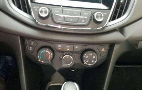 Un Chevrolet Cavalier 2020 impecable te está esperando