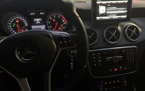 Quiero vender inmediatamente mi auto Mercedes-Benz Clase CLA 2014 muy bien cuidado