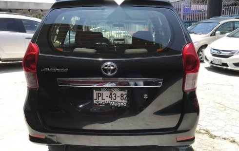 Quiero vender inmediatamente mi auto Toyota Avanza 2013 muy bien cuidado