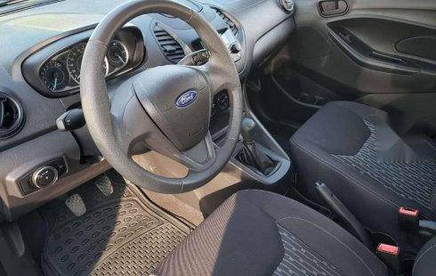 Un Ford Figo 2019 impecable te está esperando