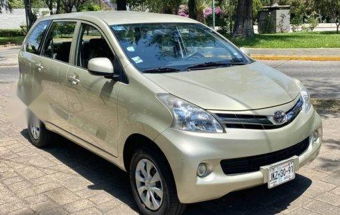 Se vende un Toyota Avanza 2013 por cuestiones económicas