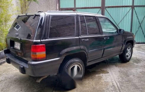 Quiero vender inmediatamente mi auto Jeep Cherokee 1997 muy bien cuidado