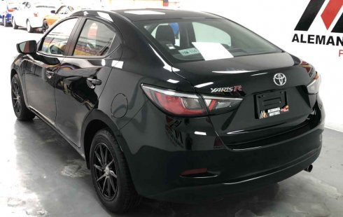 Toyota Yaris 4p 1.5 R XLE AT