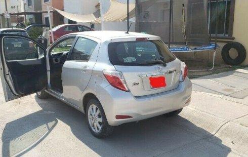 Toyota Yaris HB Premium 2012