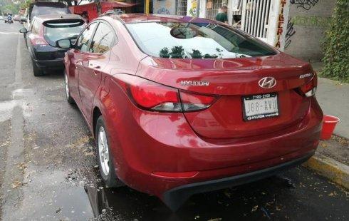 Hyundai Elantra con falla en caja