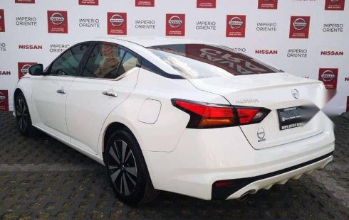 Impecable Nissan altima sr 2020