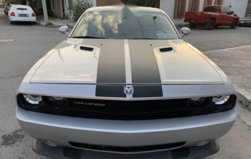 Impecable Dodge Challenger