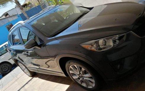 Flamante Mazda CX5 color negro imponente