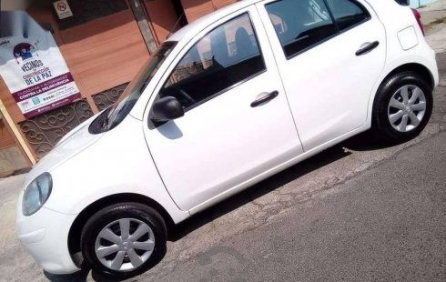 Impecable *nissan march active* 2015