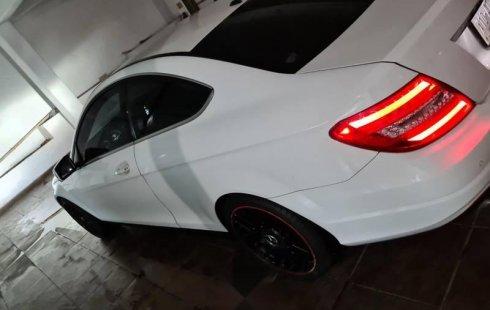 Hermoso Mercedes benz c180 coupé
