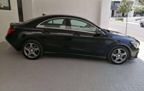 Impecable y hermoso Mercedes