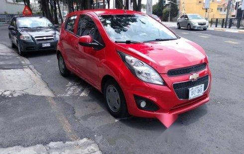 Se vende Chevrolet Spark color rojo 2016 de único dueño