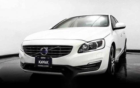 18528 - Volvo 2016 Con Garantía At