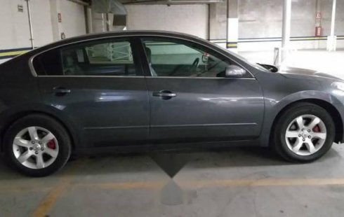 Nissan Altima impecable