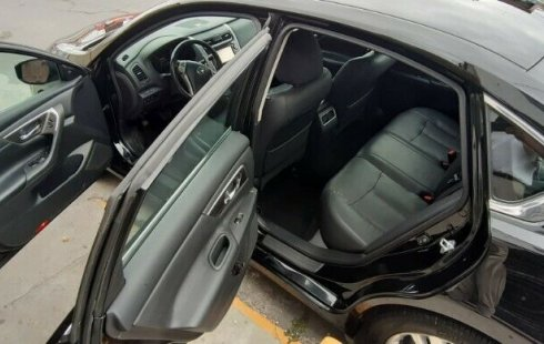Nissan Altima Exclusive Económico Seguro Familiar muy amplio potente paletas de cambio al volante