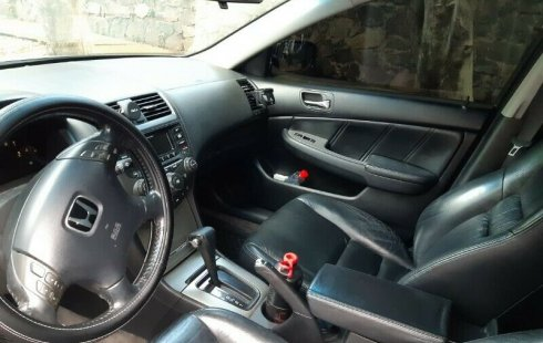 Honda Accord EX V6, impecable 2004