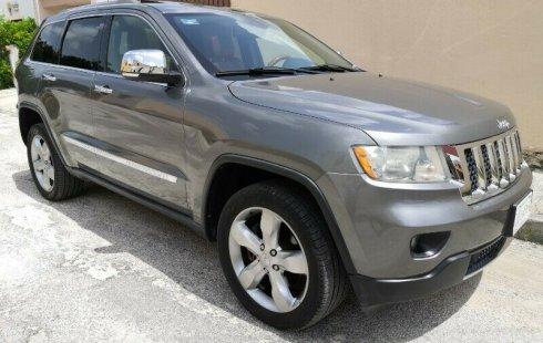 Grand Cherokee Overland 2012 4x4 2o. dueño LLANTAS NUEVAS duplicado de llave EXCELENTES CONDICIONES