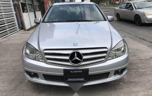 Mercedes Benz C180 2011 IMPECABLE