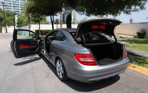 Mercedes Benz C180 CGI Coupé 2014 $ 245,000