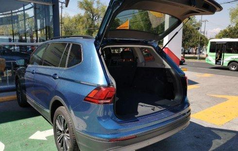 Volkswagen Tiguan Comfortline 5 asientos