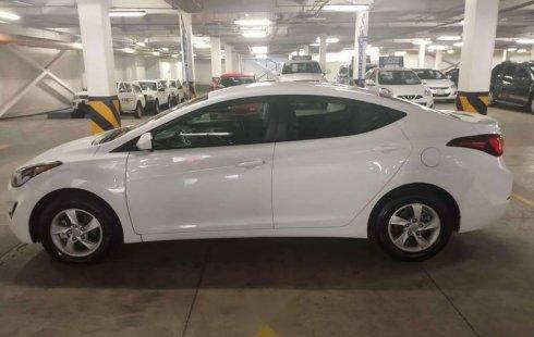 El mejor Hyundai Elantra para reestrenar