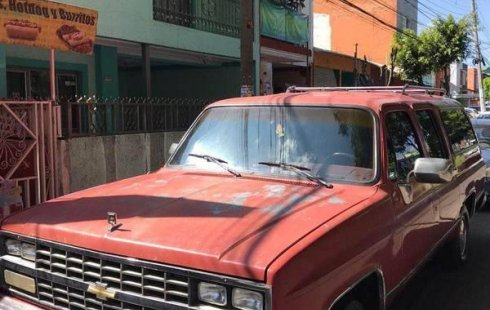 Suburban 90 Nacional, a/c , eléctrica, alarma,