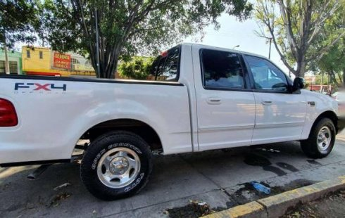 FORD LOBO 4 PUERTAS DOBLE CABINA AIRE, ELECTRICA.