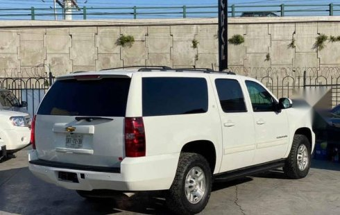 Chevrolet Suburban 2011 C 5p aut piel a/a DVD