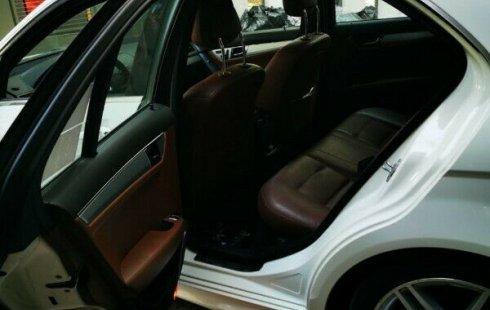 Mercedes Benz C 300 SPORT 2011 factura agencia único dueño