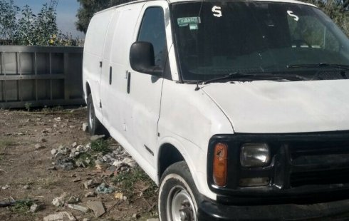 Remato super camioneta Chevrolet Express van 2000