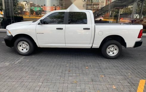 Dodge RAM 1500 2016 Crew Cab SLT Trabajo 4x4 V6 8AT