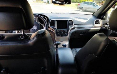 Jeep Grand cherokee potente y desafiante, como nueva