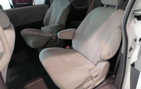 Toyota Sienna CE V6 2017 Blanco