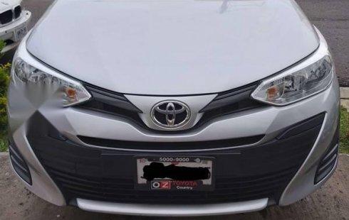 Precioso Toyota Yaris.