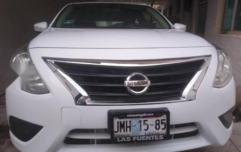 Nissan versa 2016.