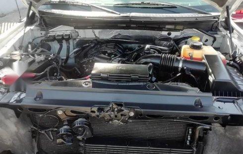 Ford F150 lobo doble cabina 6 cilindros crv silverado
