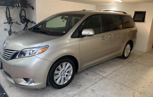 Toyota Sienna Limited, Piel, QC, Xenon, Asientos eléctricos