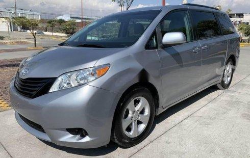 Toyota sienna 2017 ce factura original como nueva
