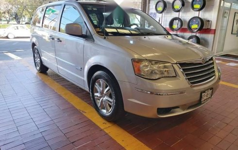Chrysler Town & Country 2010 3.3 Touring At