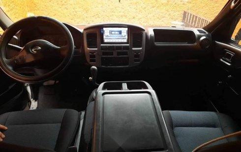EXCELENTE Nissan Urvan 2009