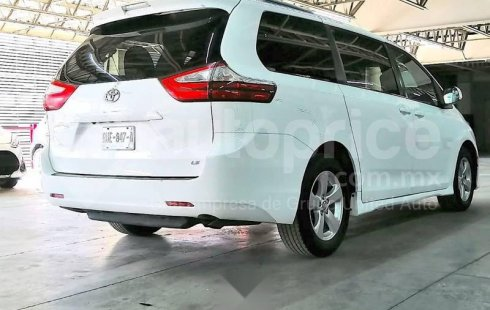 Toyota Sienna 2018 3.5 Le At
