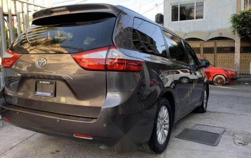 Toyota siena xle 2015 factura original