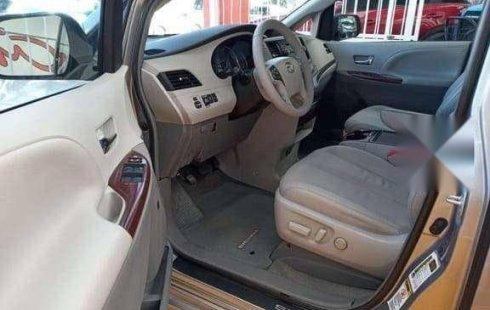 2012 Toyota Sienna XLE Piel