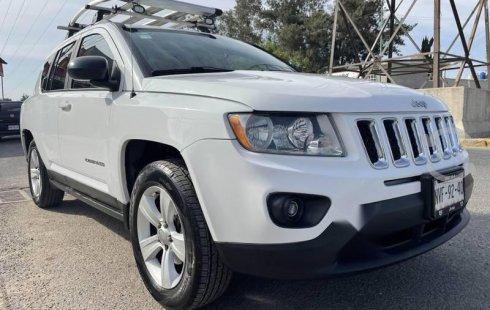 Excelente Jeep Compass