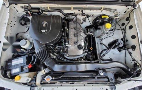 Nissan NP300 Caja Seca 2013 Crédito Económica